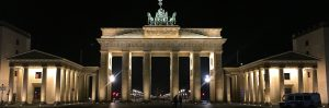 The picture shows Brandenburg tor by night