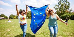 Η Επιτροπή ξεκινά τις εργασίες για την ανακήρυξη του 2022 ως Ευρωπαϊκού Έτους Νεολαίας